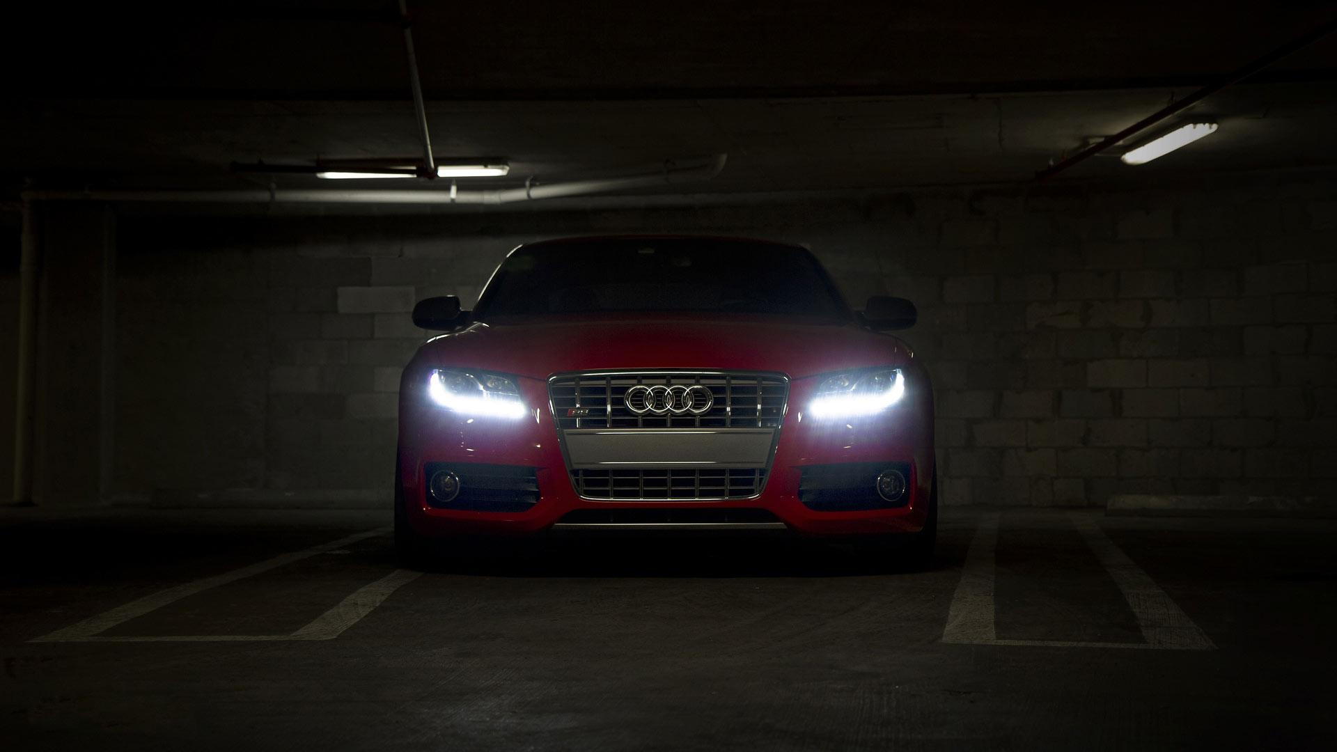 Audi S5 Красная