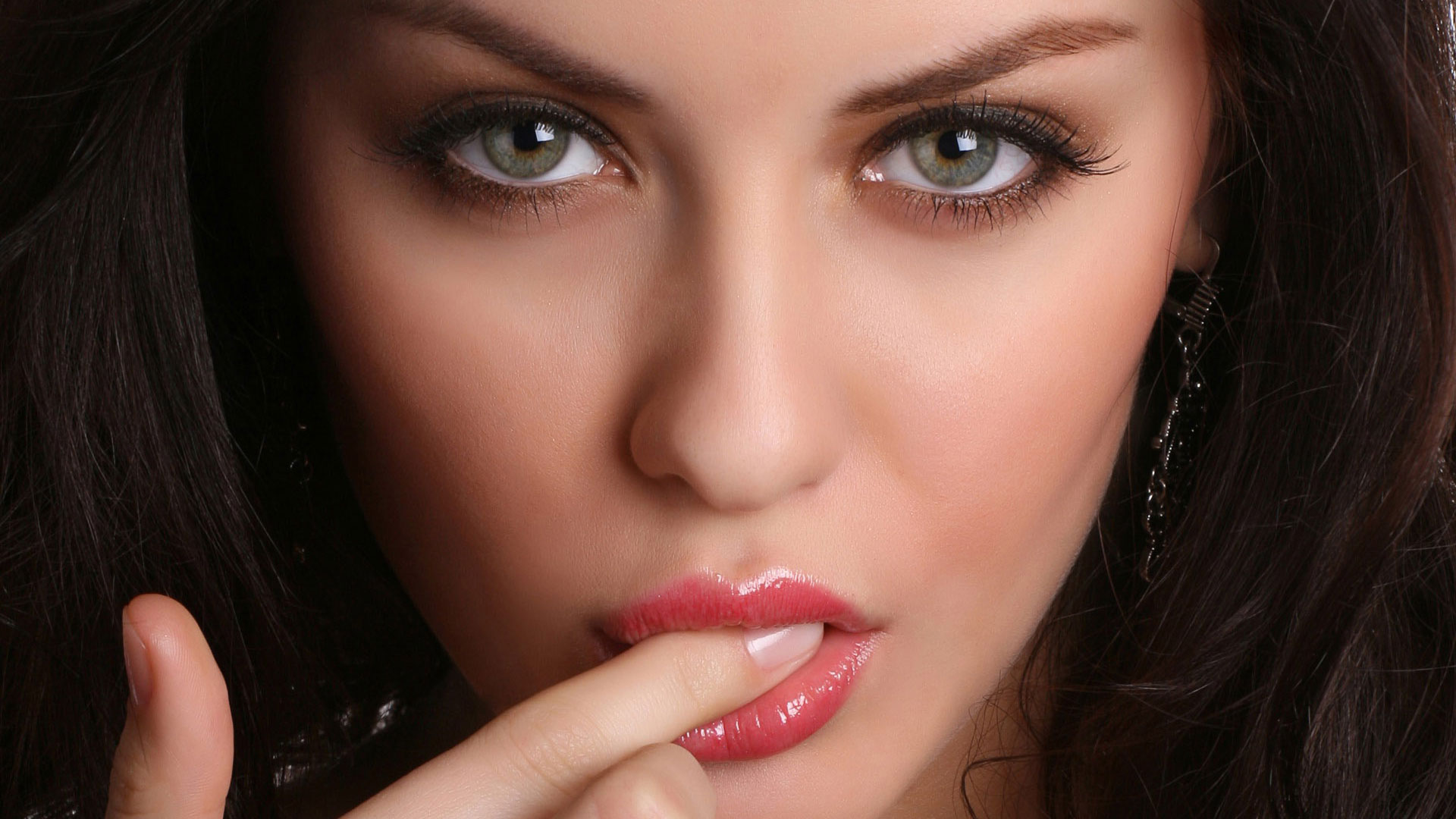Фото самых красивых девушек с зелеными глазами