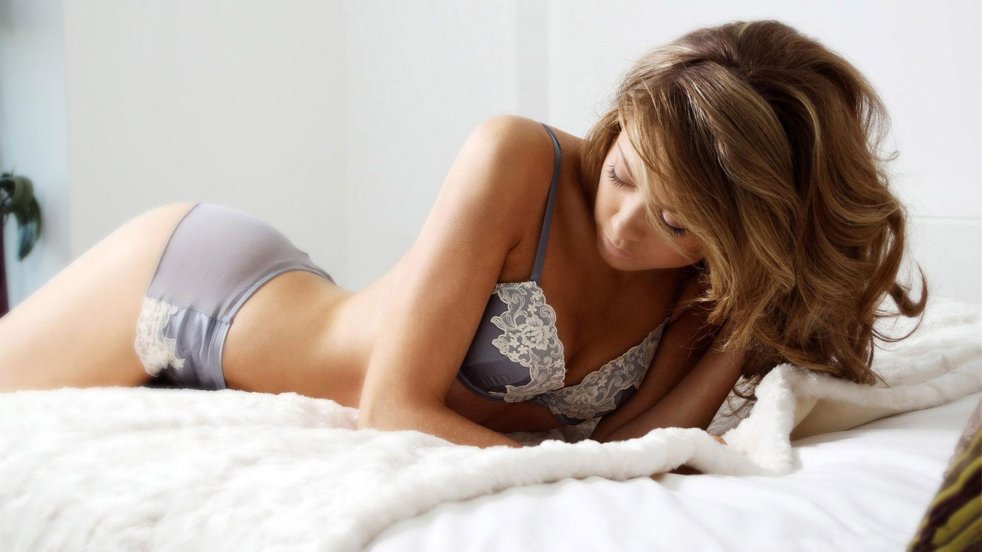 Секс в чулках итальянок 5 фотография