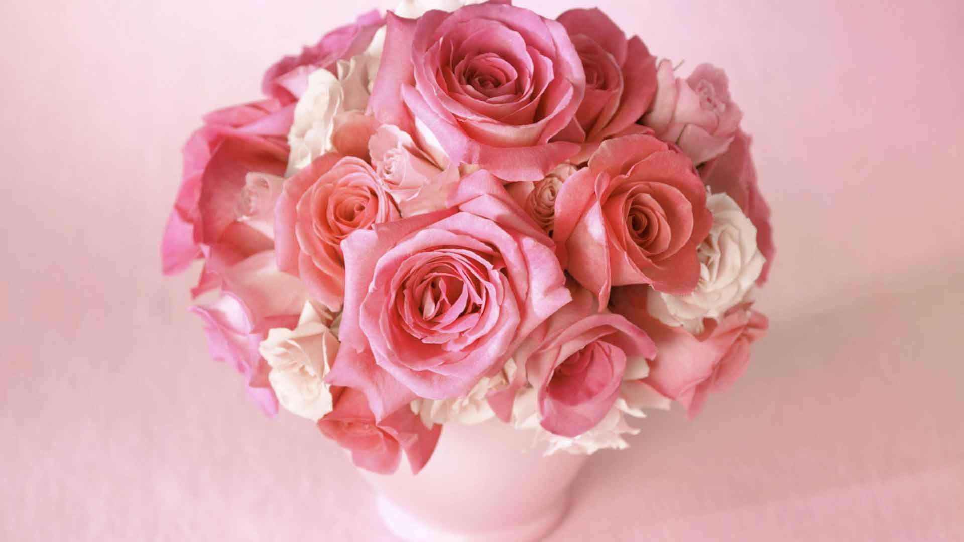 Обои в розовых тонах букет в розовых