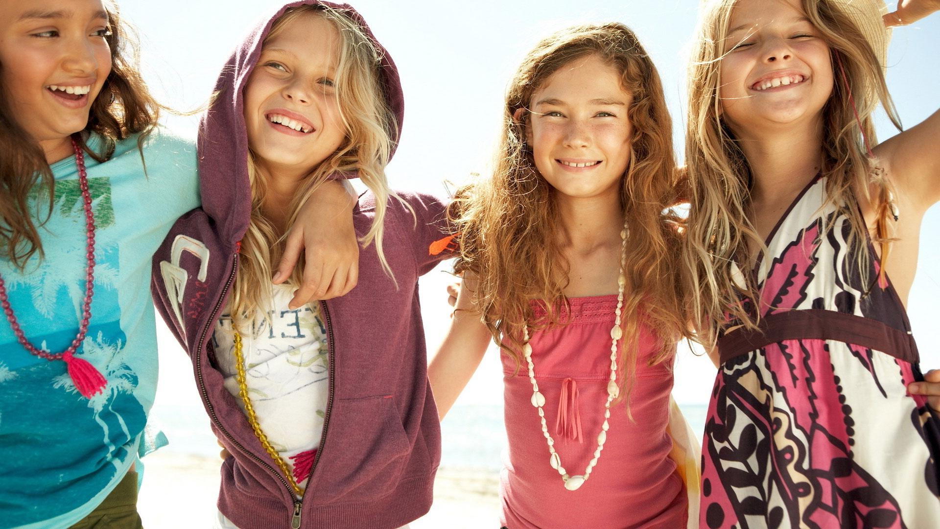 Фото компании девочек 19 фотография