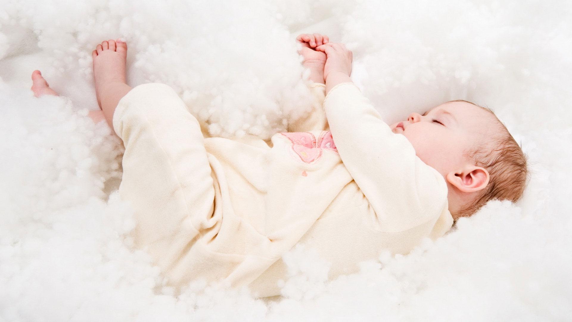 Можно ли делать рейки спящему ребенку