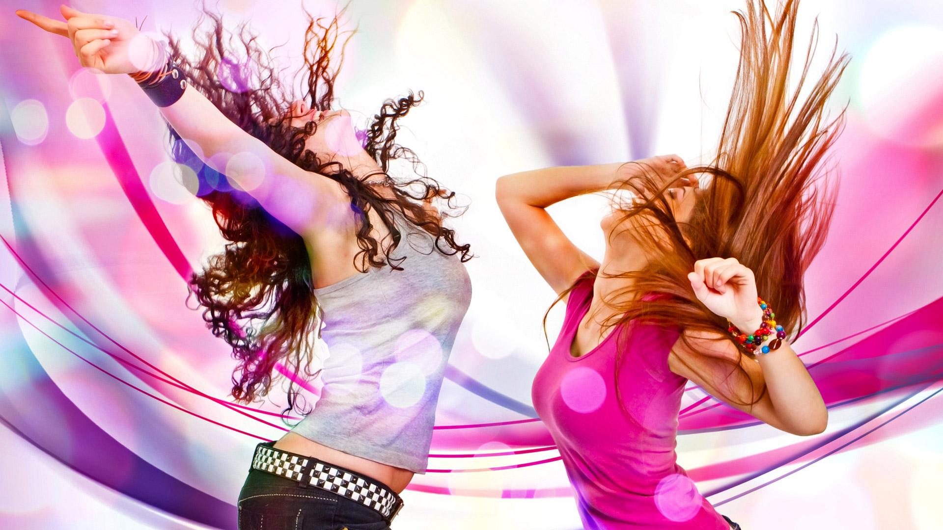 Обои танцующие девушки красивые
