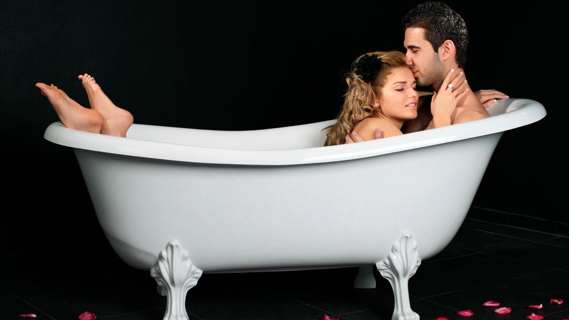 Принимают ванну вместе 10 фотография