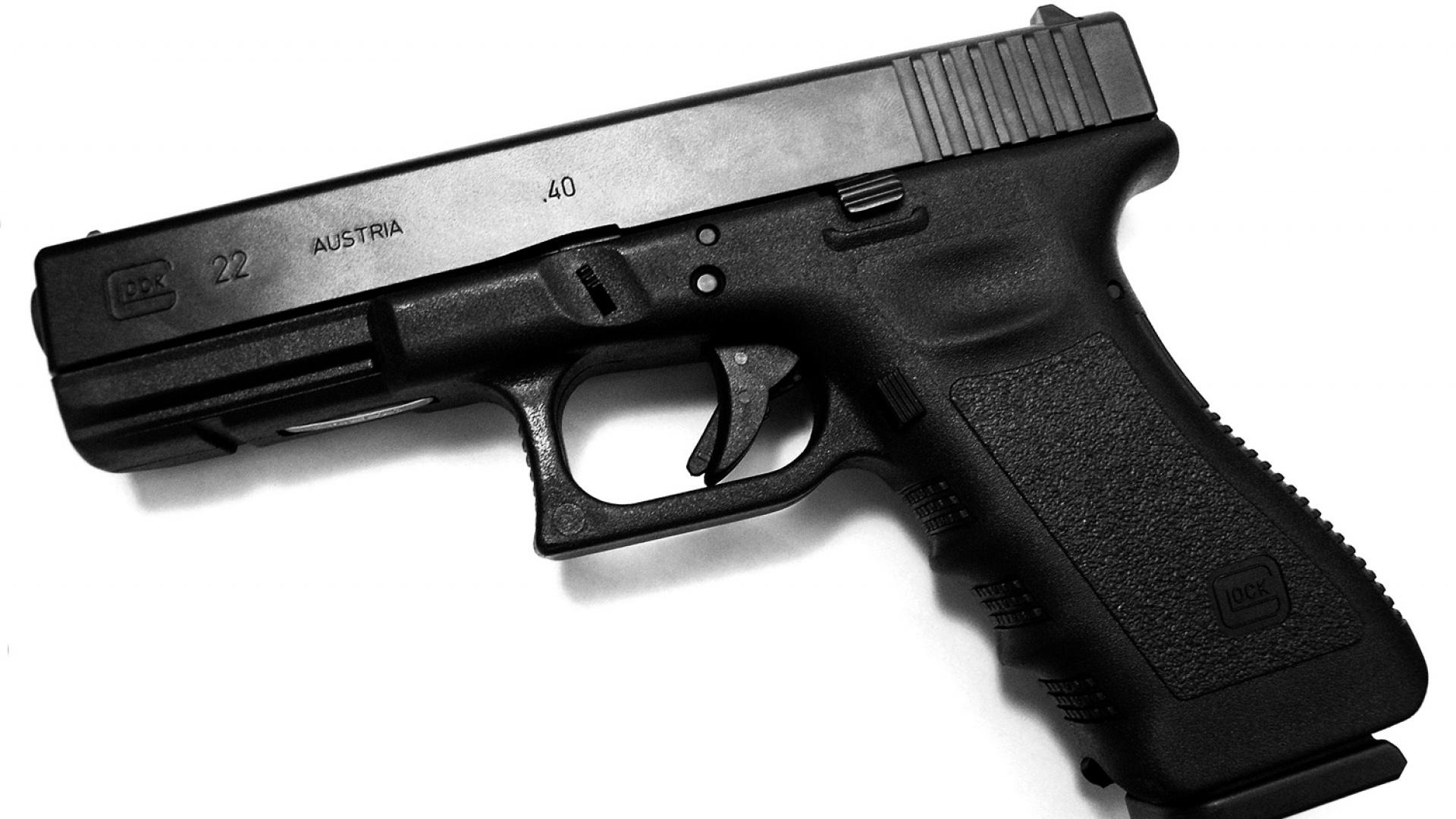 Обои пистолет glock для рабочего стола