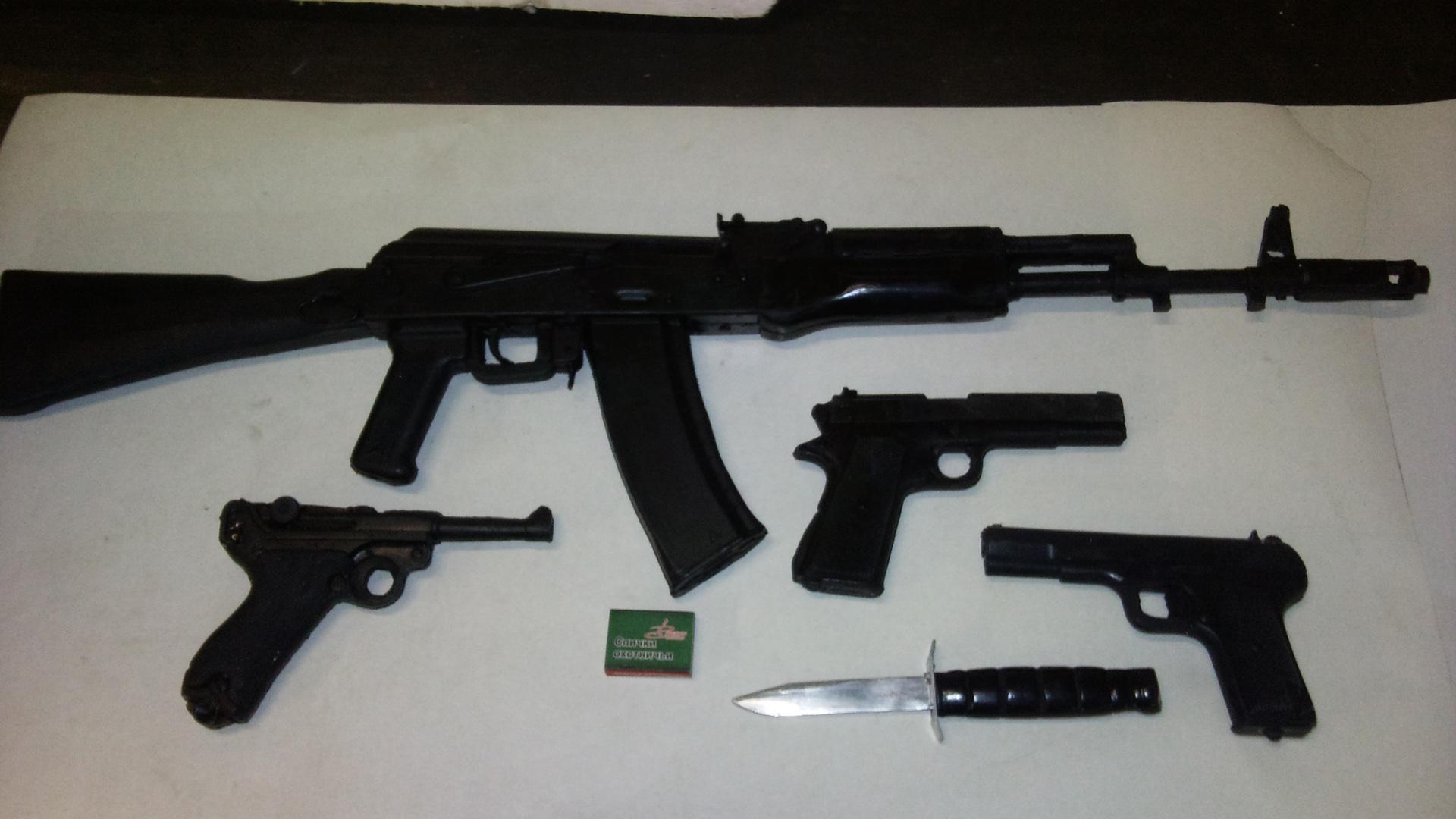 Обои разное оружие для рабочего стола