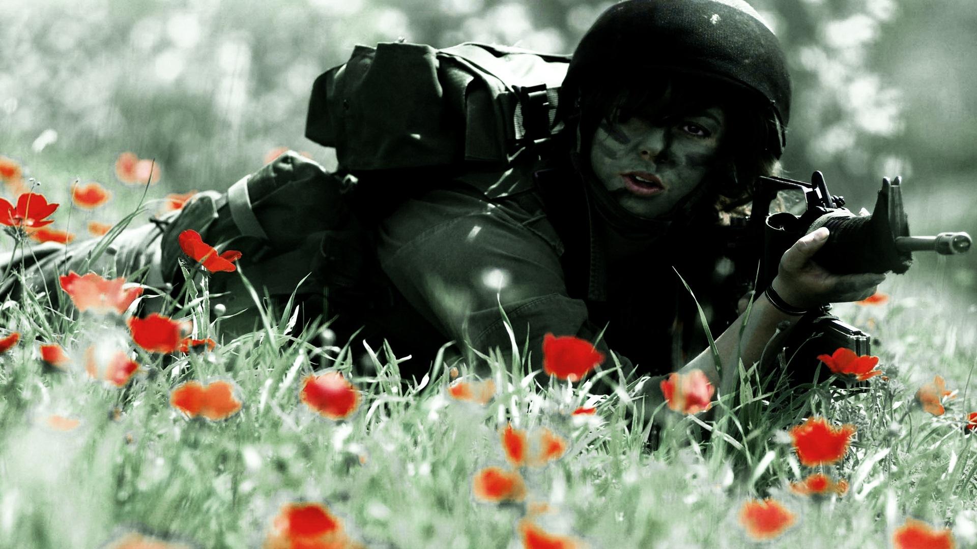 Девушка солдат аниме