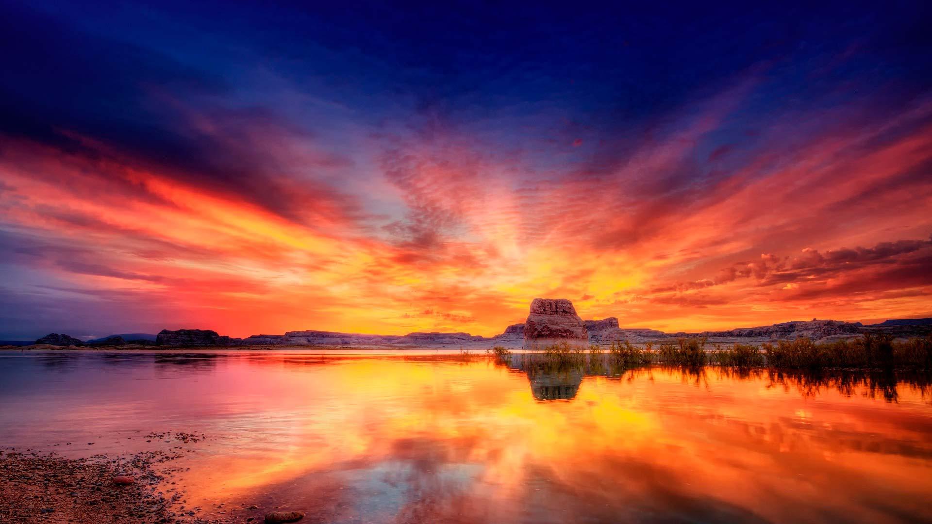 Обои Красивый закат над озером, картинки - Обои для ...: http://www.fullhdoboi.ru/photo/nature/krasivyj_zakat_nad_ozerom/6-0-23076