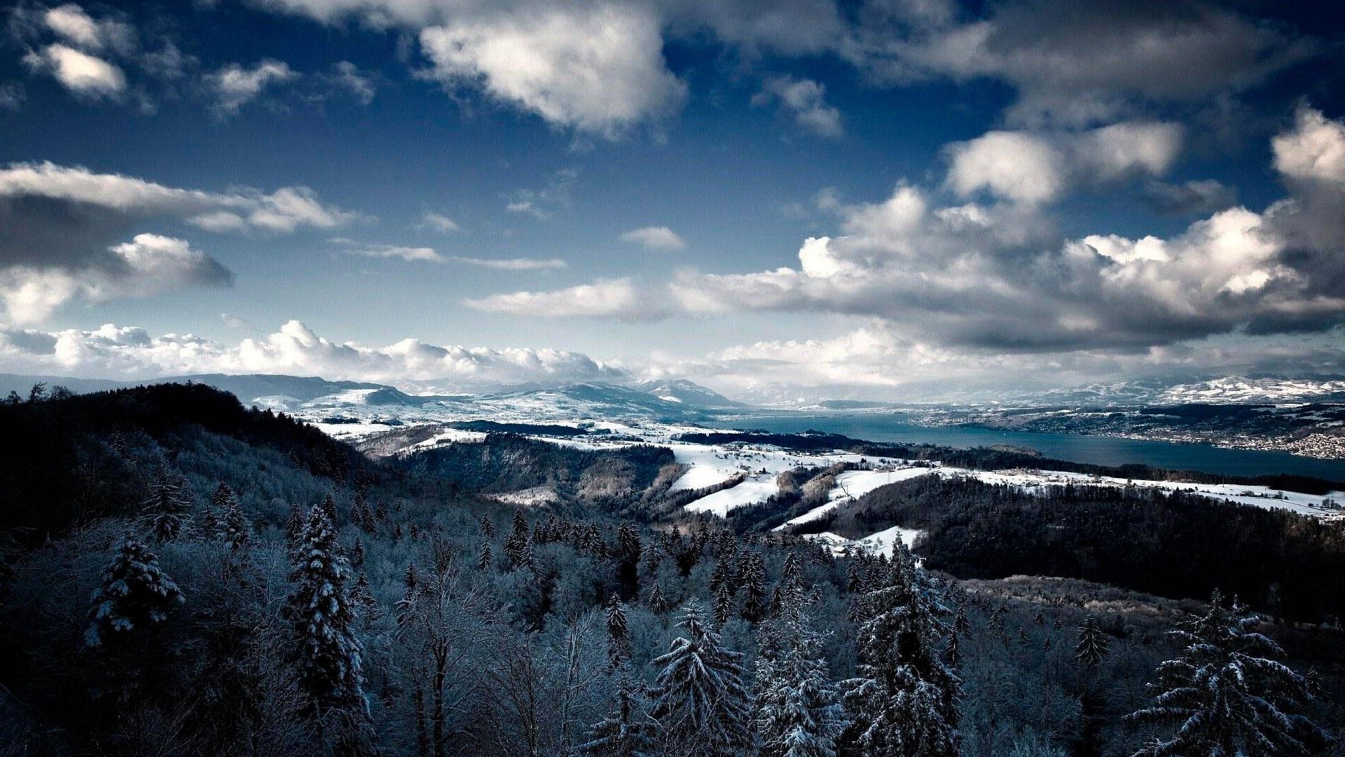 Широкоформатные обои зимние горы с